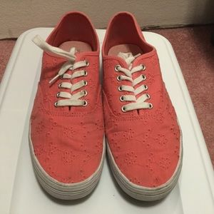 American Eagle Coral Eyelet Design Sneakers